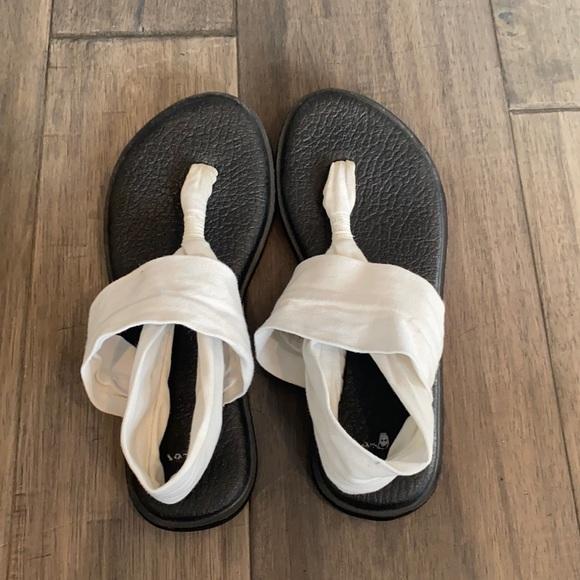 Sanuk White Yoga Sling Sandals Size 7
